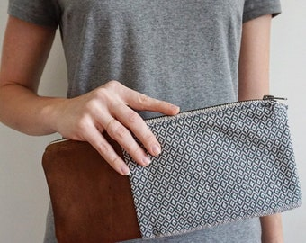 Little Blue Clutch with leather side - Zip closure