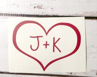 Coeur initiales vinyle autocollant amour autocollant personnalisé Sticker romantique mariage autocollant son sien Sticker Decal