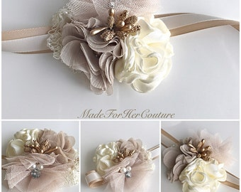 Nude wedding Corsages, Rustic Wrist Flower, Wrist Corsage, Rustic Wedding Corsage, nude ivory Corsage/Wedding Wrist Band, Prom Corsage