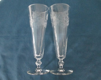 Vintage Frosted Floral Etched Pilsner Toasting Wine Champagne Glasses Set Of two (2) Shabby Chic Wedding Formal Dining Housewares Stemware
