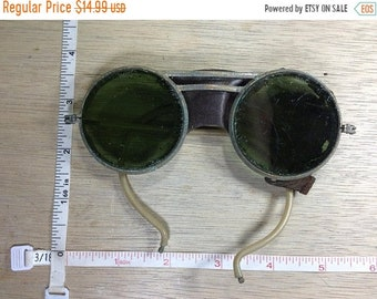 10%OFF3DAYSALE Vintage Old Sunglasses Goggles Leather Deteriorated Green Lenses Used