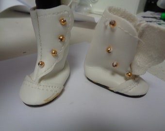 Vintage WhiteVictorian Doll Boots-- Size 7- New old stock-41mm x 19mm