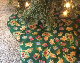 Green with Toys Tree Skirt