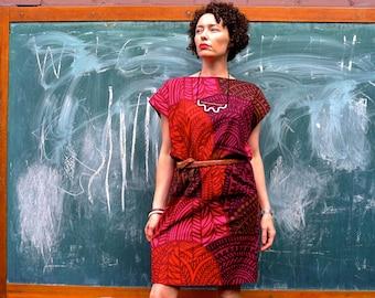 Marimekko Gathered Waist Dress. Shift dress. Elastic Waistband dress. Mini dress. Kimono Sleeve Dress. Size S (10) only