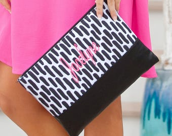 Personalized Zipper Pouch. Monogram Zipper Bag. Wedding Party Gift. Custom Zip Pouch. Makeup Bag. Cosmetic Bag. Bridesmaid Gifts