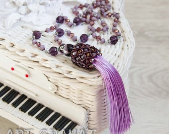 Long lilac necklace