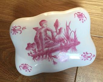 Box old Chinese porcelain CHERUB / CHERUBIM