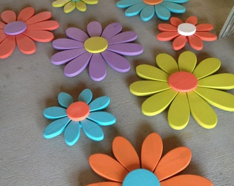 Large Flowers, daisy flowers, flower wall art, distressed, shabby chic, spring decor, girls bedroom, garden art, wood flowers