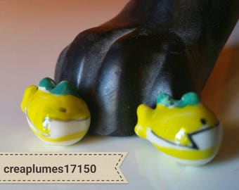 Set of 2 porcelain fish Dolphin 19mm yellow beads