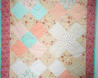 Baby quilt for a girl, 100% cotton and polyester batting.