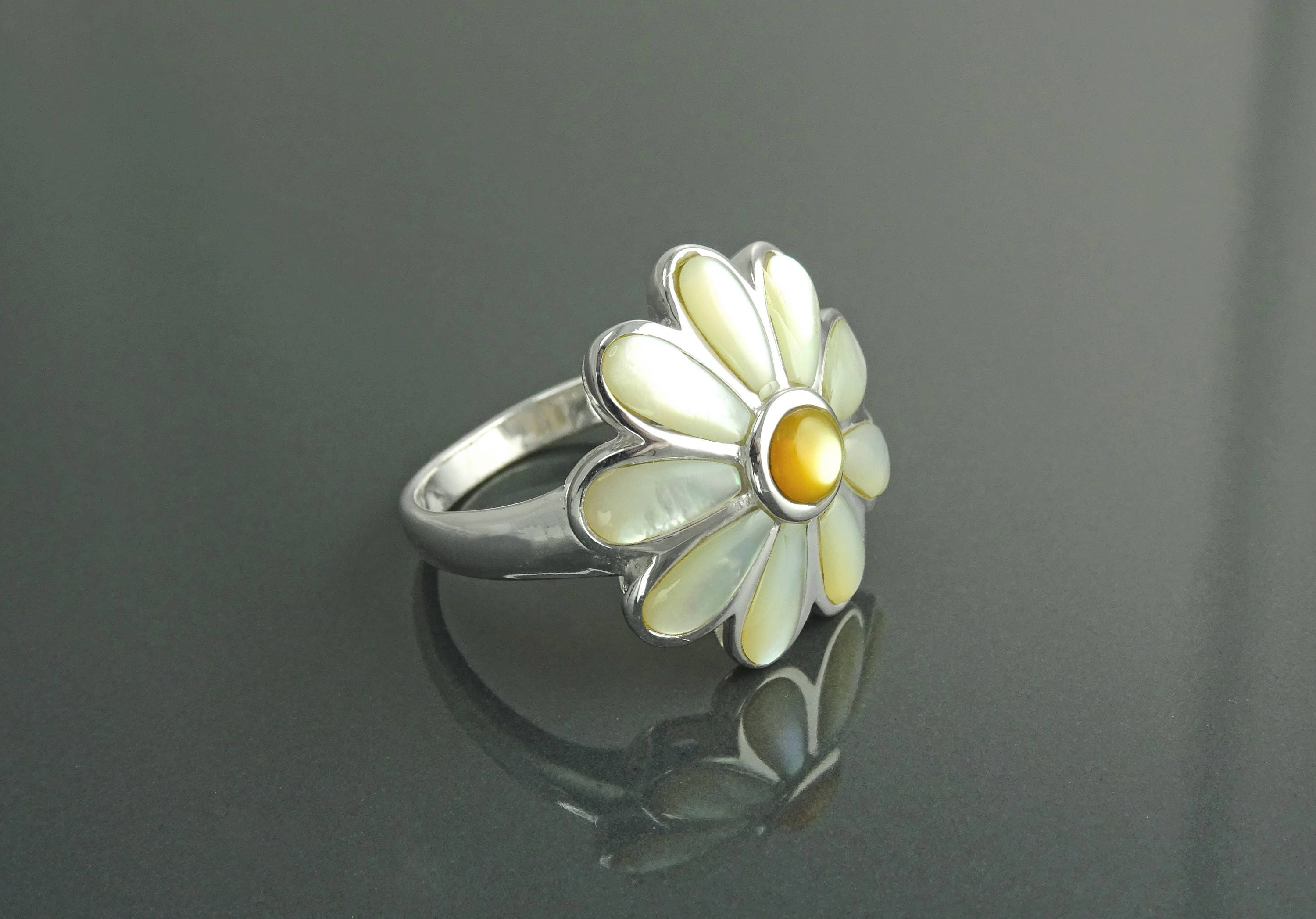 Daisy flower ring sterling silver genuine white mother of pearl daisy flower ring sterling silver genuine white mother of pearl petals daisies band ring flower ring blossom floral ringnature jewelry izmirmasajfo Image collections