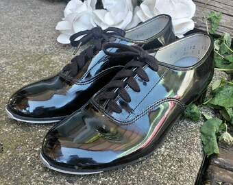 Kids tap shoes/vintage tap shoes/tap shoes/kids dance shoes/dance shoes/vintage kids shoes/kids unisex tap shoes/costume shoes/vintage shoes