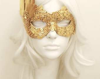 Sequined Gold Masquerade Mask With Rhinestones And Feathers - Venetian Style Gold Masquerade Ball Mask For Prom, Costume Party, Wedding