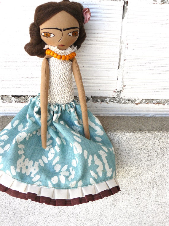 Frida Kahlo cloth doll. 13 inches.  Frida nº 7 2018 series.