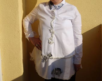 Cotton / white / women tunic/art to wear/handmade/casual/formal/handwaved fabrics/loose/crinkle cookies/navy/one of a kind of size L, M,S