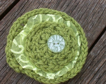 Crochet brooch. Avocado green crochet brooch. Matte green vintage button.