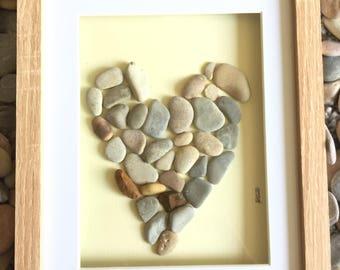 Pebble art -heart