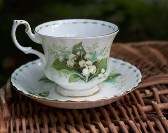 May, Royal Albert, Flower of the Month Series Teacup