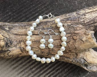 3 Bridesmaid sets in white pearls