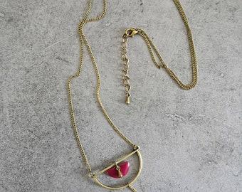 Half moon necklace the discreet bordeaux