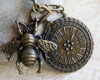 Steampunk Necklace, Steampunk Jewelry, Steampunk Pendant, Pendant Necklace, Bee Pendant, Vintage Inspired, Victorian Era, 18 inches
