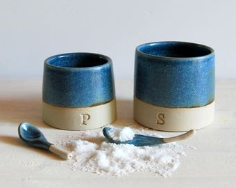 Salt and pepper cellars Salt and pepper pots with spoons Salt keeper Kitchen decor Serving salt Hostess gift Ceramic and pottery Stoneware