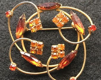 Beautiful Vintage Topaz Colored Crystal Brooch