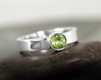 Peridot silver ring, silver solitaire ring, green stone ring, stacking ring, August birthstone, 4mm wide ring, boho ring, gemstone stacker