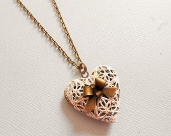 locket necklace, heart locket necklace, photo locket, medallion locket necklace, photo necklace, photo medallion, heart necklace