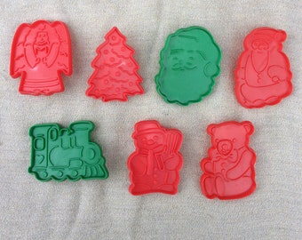 Christmas Cookie Cutters - Red and Green Plastic Cookie Cutters - Set of Seven Cookie Cutters - Christmas Cookies