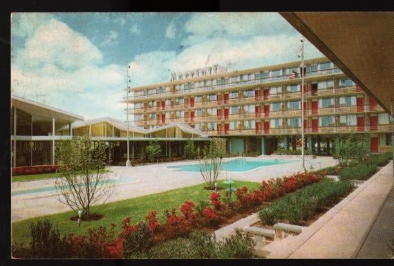 Marriott Motor Hotel + Potomac + Washington, D.C. + 1957 + Vintage Postcard
