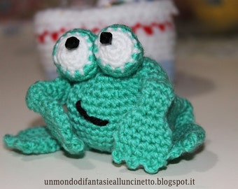 Amigurumi Frog with Folding paws