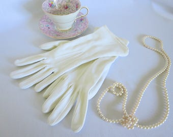 Vintage Gloves, White Gloves, Gloves, Long Gloves, 50s, 50s Gloves, Vintage, Costume, Minnie Mouse, Dress Up, 50s Fashion, Accessories