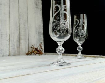 25th Anniversary Gift, Personalised Silver Wedding Anniversary, Silver wedding flutes, Engraved numbered champagne glasses