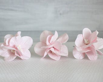Set of 3 pink hydrangea hair pins, flower hair pin, wedding hair pin, hydrangea hair clip, Floral hair clip, pink hair pins, floral hair pin