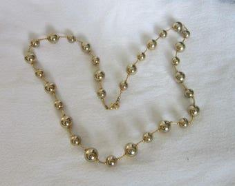 Vintage Retro Gold Tone Ball & Link Necklace
