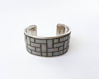 Grey beaded bracelet, grey bracelet, graphic bracelet, beaded bracelet, cuff, trendy bracelet, geometric bracelet, gift for her