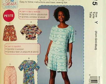 McCalls Pattern MP615 7515 Womens Tops Dress Shorts Pants Easy to Sew Casual Wardrobe