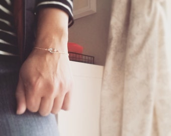 Aqua Glass Jewel Bracelet Stackable Bracelet Teardrop Glass Gem Bracelet Vintage Rhinestone Bracelet Simple Modern Minimalist Jewelry