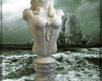 Lady of Innsmouth - Cthulhu Mythos Sculpture in White Resin
