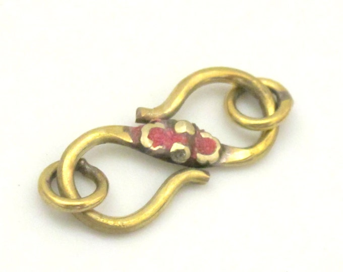 1 clasp - S hook Brass clasp from Nepal with turquoise inlay - BD604E