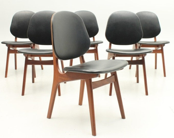 Danish Mid-Century Modern teak dining chairs by A. Hovmand-Olsen, Denmark(set of 6)