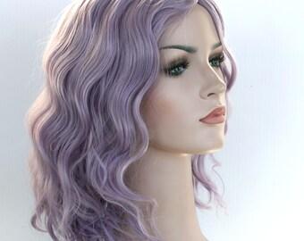 Dusty lilac shoulder length wavy wig. Taro short wig. Lavender wig. Purple hair. ready to ship.
