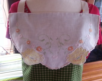 Antique Laces Full-Size Apron