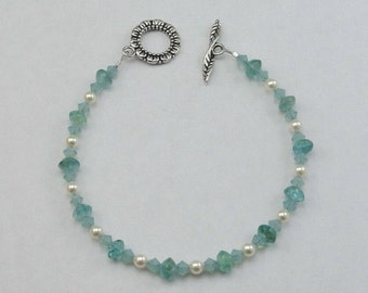 Apatite Swarovski Pearl Bracelet Flower Toggle Clasp