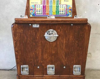 Kenney's Three Way Vintage Slot Machine (YXZNXW)