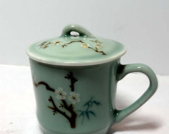 Green Lidded Tea Steeper Cup Dogwood Motif Home and Garden Kitchen and Dining Tableware Drinkware Coffee and Tea Cups