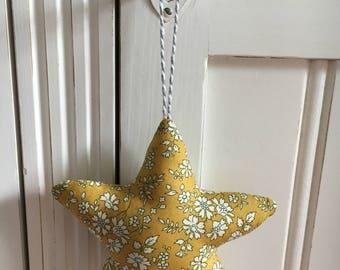 Star stuffed camel liberty mustard