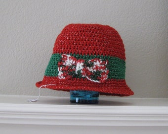 Girls Sparkly Red and Green Christmas Cloche Bucket Style Crochet Hat with Bow Ready to Ship Night and Day Crochet Etsyturns13