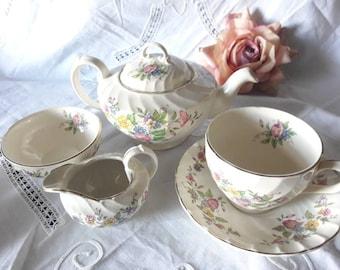 Adorable burleighware 5 piece teapot set burgees and Leigh pretty swirl china tea for one